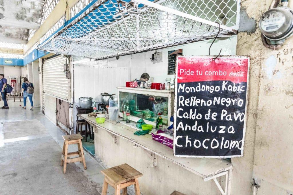 Merida: Essen auf dem Marlt San Sebastian