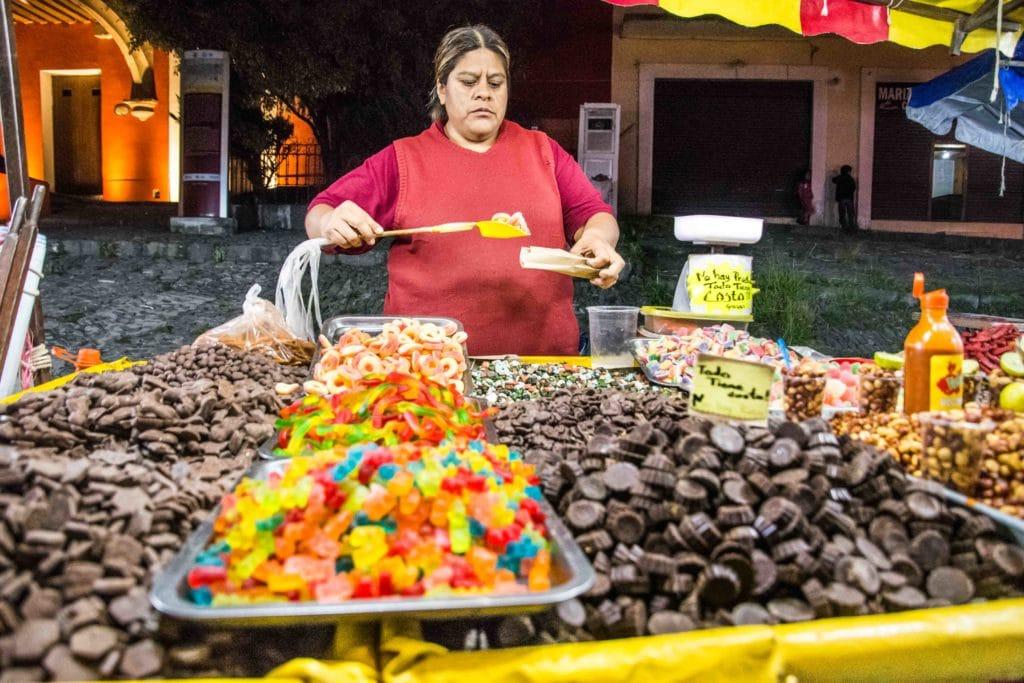 Schokoladenverkäuferin