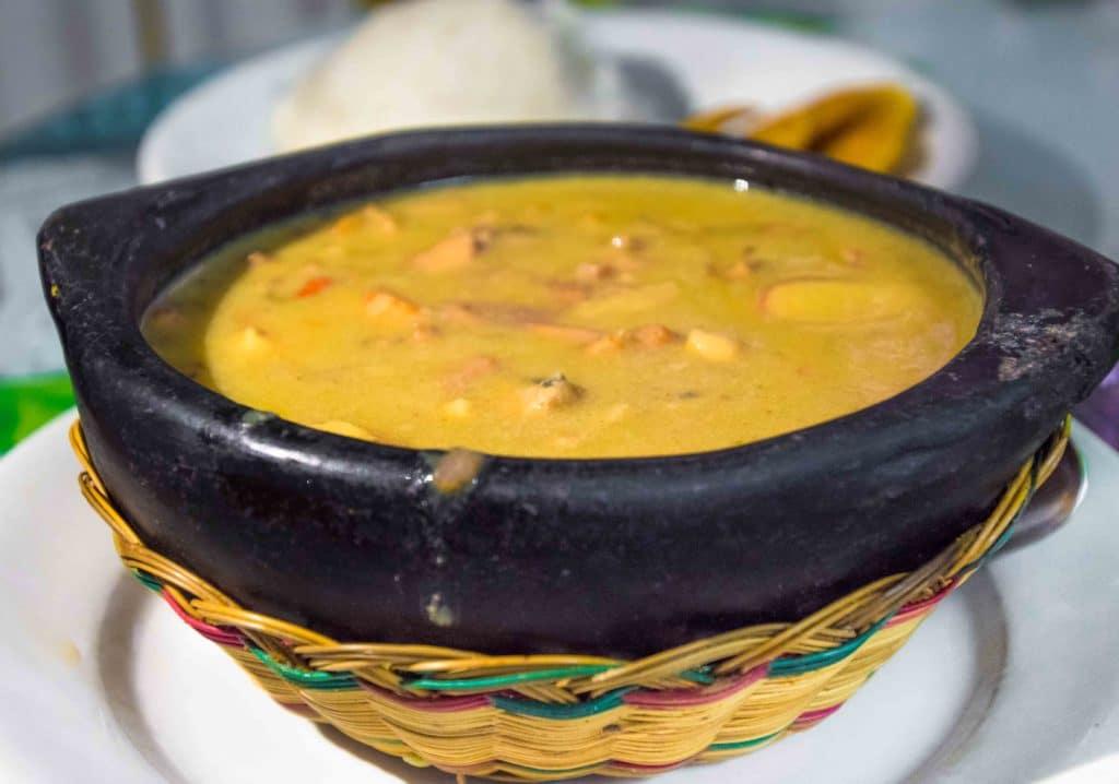 Typisches Fisch -Essen in Cartagena