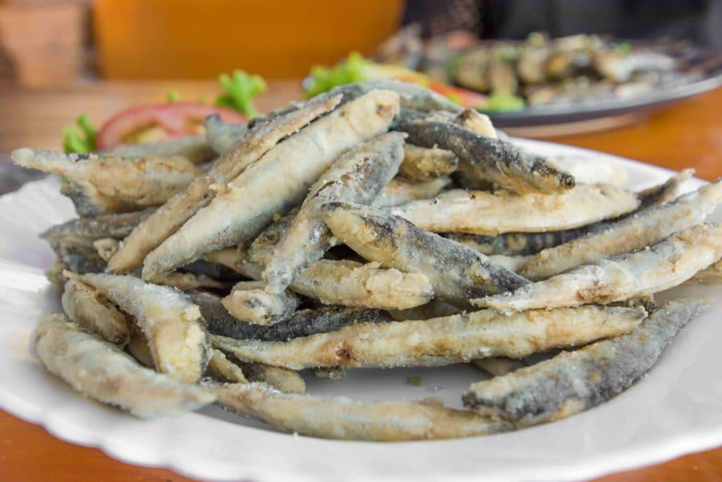 Kroatische Snacks - Frittierte Fische