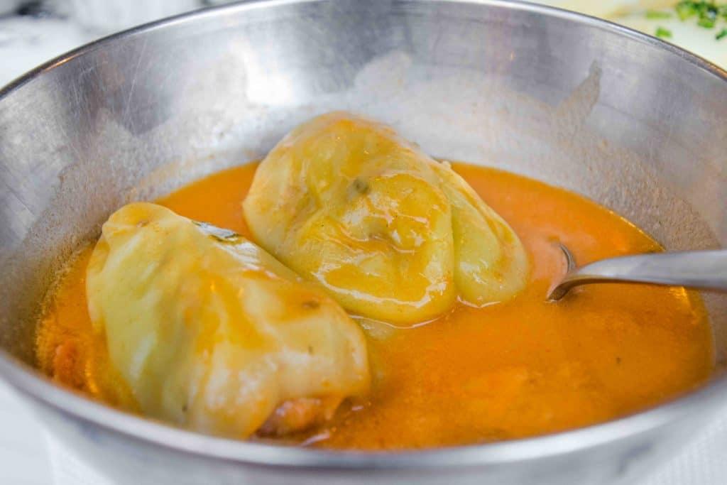 Fleischig gefüllte Paprika