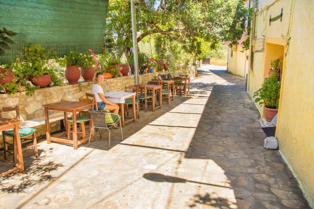 Auch so können geöffnete Restaurants auf Kreta aussehen
