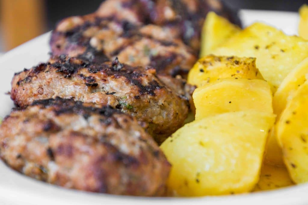 Bifteki: Must Try